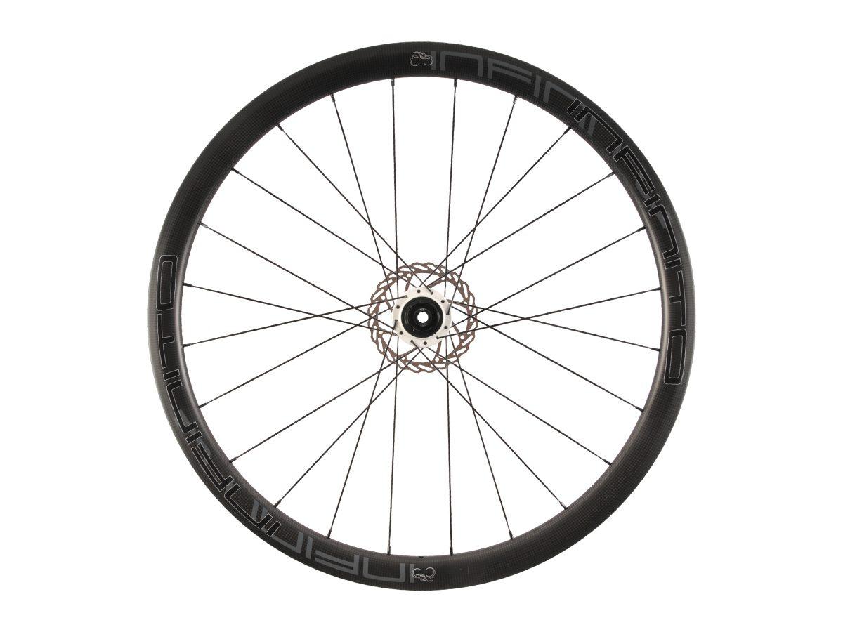 https://infinito-cycling.com/wp-content/uploads/2019/01/D4C-Zwarte-velg-Witte-naaf-Rear-12.jpg