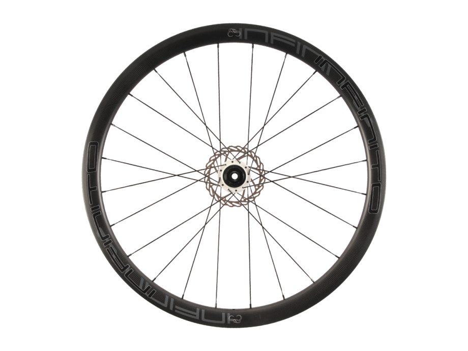 https://infinito-cycling.com/wp-content/uploads/2019/02/D4C-Zwarte-velg-Witte-naaf-Rear-1.jpg