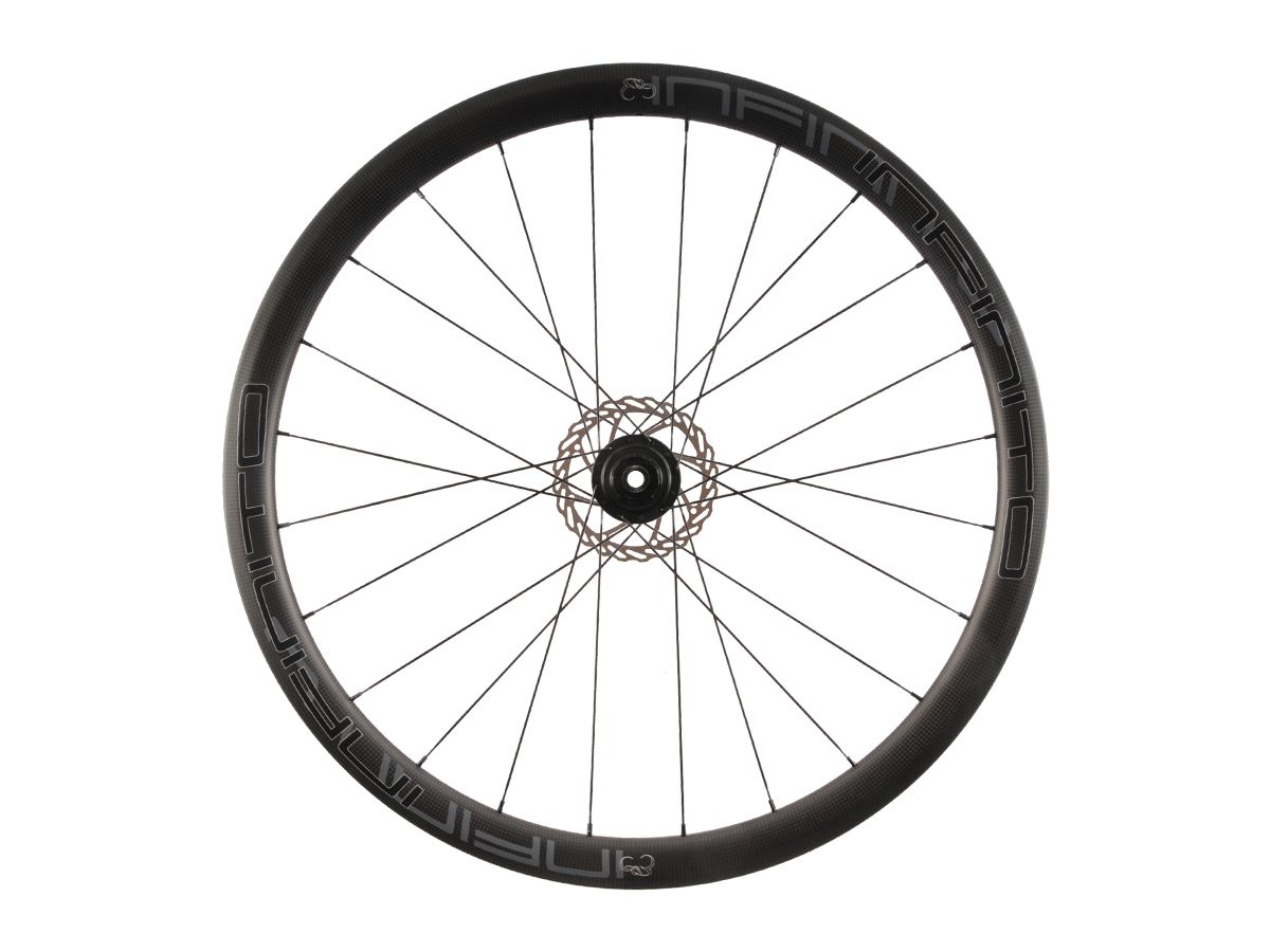 https://infinito-cycling.com/wp-content/uploads/2019/02/D4C-Zwarte-velg-Zwarte-naaf-Rear-1.jpg