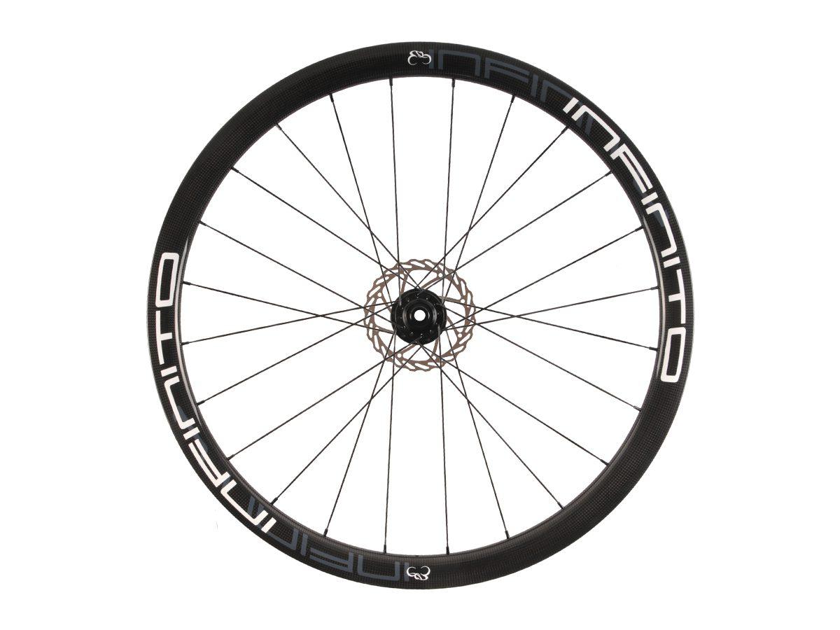 https://infinito-cycling.com/wp-content/uploads/2019/02/D4T-Witte-velg-Zwarte-naaf-Front-1.jpg