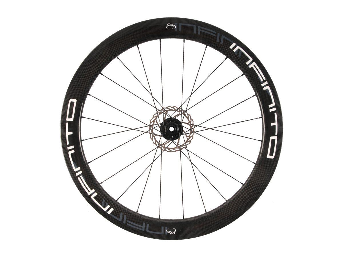 https://infinito-cycling.com/wp-content/uploads/2019/02/D6T-Witte-velg-Zwarte-naaf-Front-1.jpg