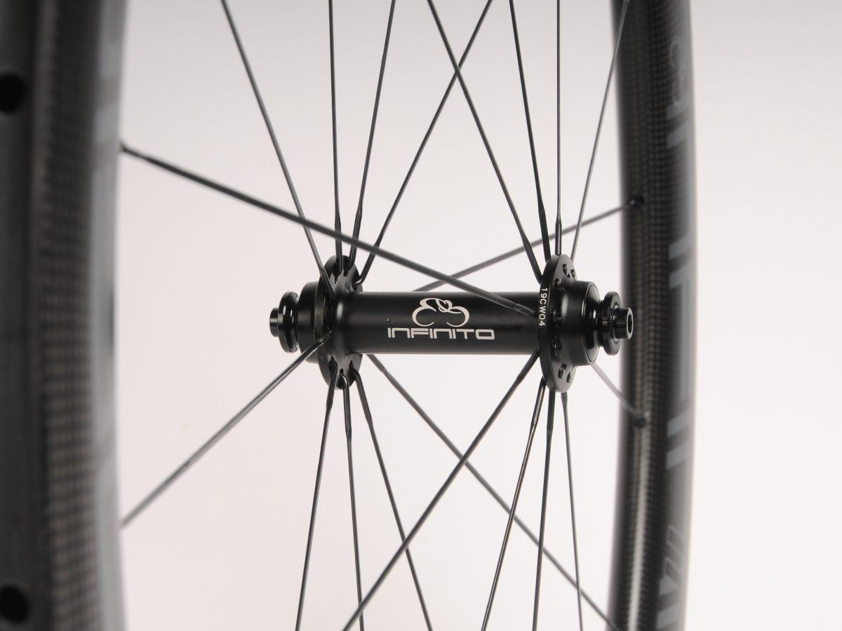 https://infinito-cycling.com/wp-content/uploads/2019/02/Velg-zwart-voor.jpg